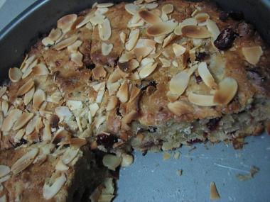 עוגת תפוחים, חמוציות מיובשות וקינמון
