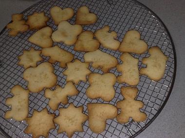 עוגיות חמאה בכל מיני צורות