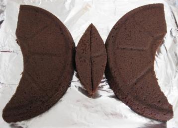 עוגת פרפר - החלקים החתוכים
