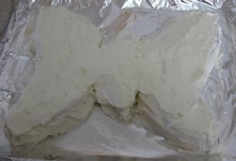 עוגת פרפר - העוגה מצופה