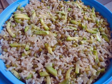 אורז עם שעועית מאש, קישואים ופטרוזיליה