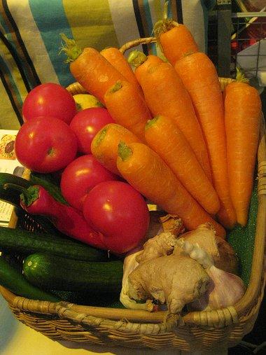 ירקות בדוכן של אופק חדש