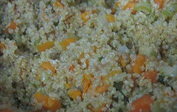 תבשיל קינואה, בטטה וירקות שורש