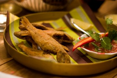 ברבוניות מטוגנות מצופות בקמח תירס, צילום של ניר אלון