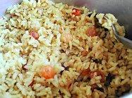 אורז עם כורכום וצימוקים