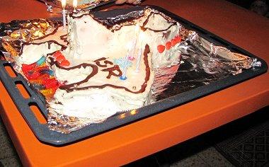 עוגת חללית - עם הנרות