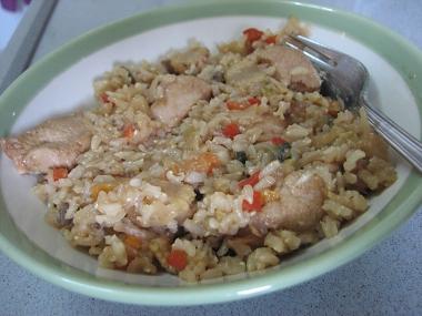 תבשיל נתחי עוף, ירקות מוקפצים ואורז