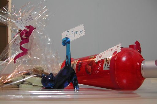 מתנת וולנטיינ'ז 2005, לפני עטיפה סופית