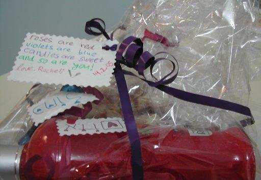 מתנת וולנטיינ'ז 2005, עטופה ועם ברכה